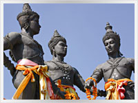 statues of ancient thai warriors