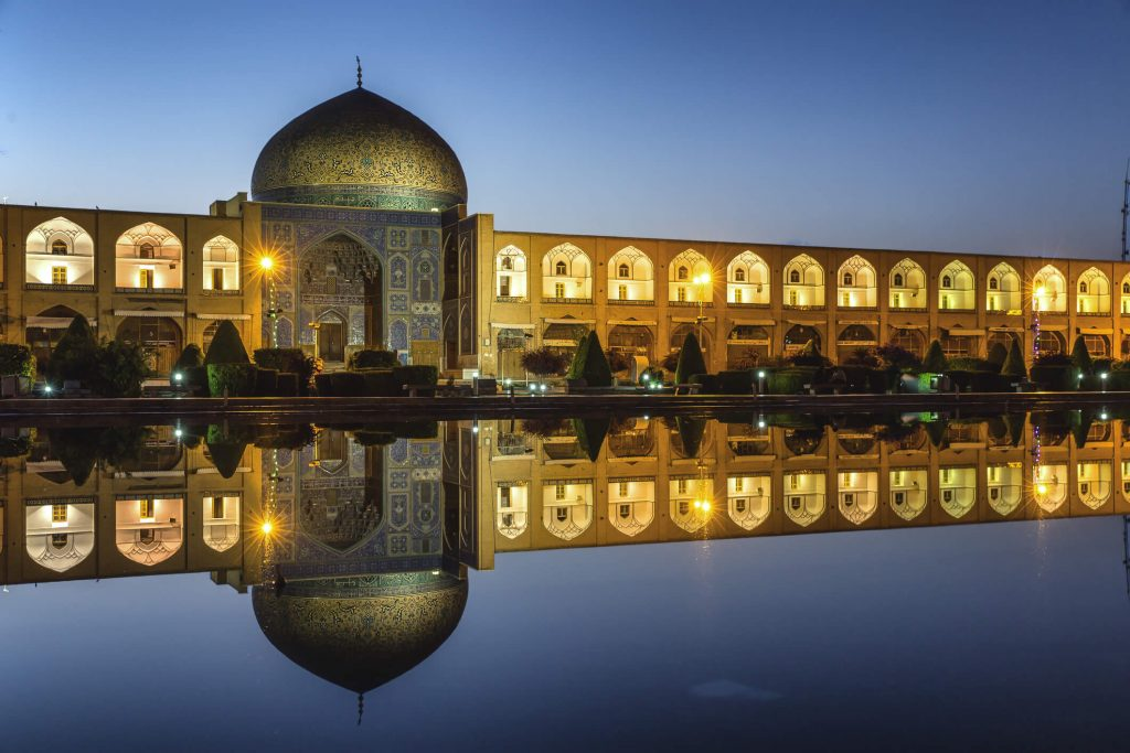 sheikh-lotf-allah-mosque-in-isfahan-iran